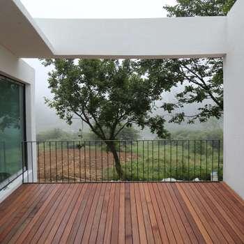 Projekty,  Balkon, taras i weranda zaprojektowane przez IEUNG Architect