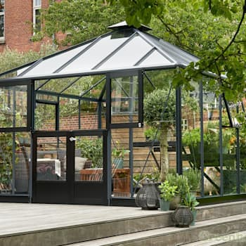 Сады в . Автор – Greenhouse Stores