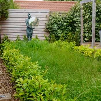Coastal sculpture garden: modern Garden by Andy Stedman Landscape & Garden Design