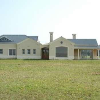 Exteriores: country Houses by Radrizzani Rioja Arquitectos