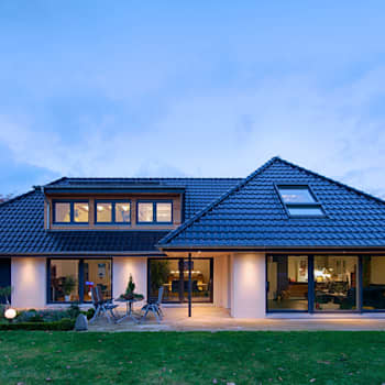 Maisons de style de style Moderne par GRID architektur + design