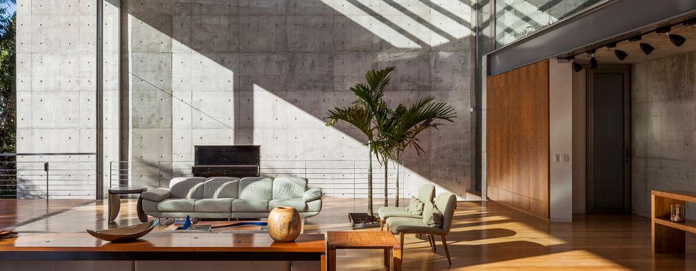 modern Houses by obra arquitetos ltda
