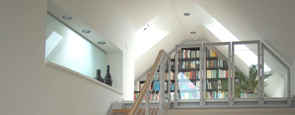 modern Corridor, hallway & stairs by zymara und loitzenbauer architekten bda