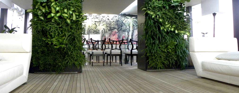 Jardines de estilo moderno por Architettura & Servizi