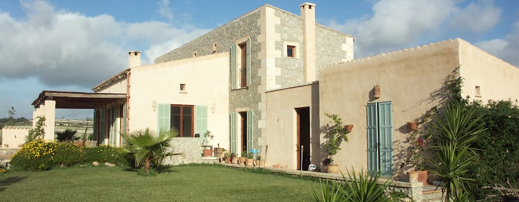 Casas de estilo mediterraneo por Fincas Cassiopea Group