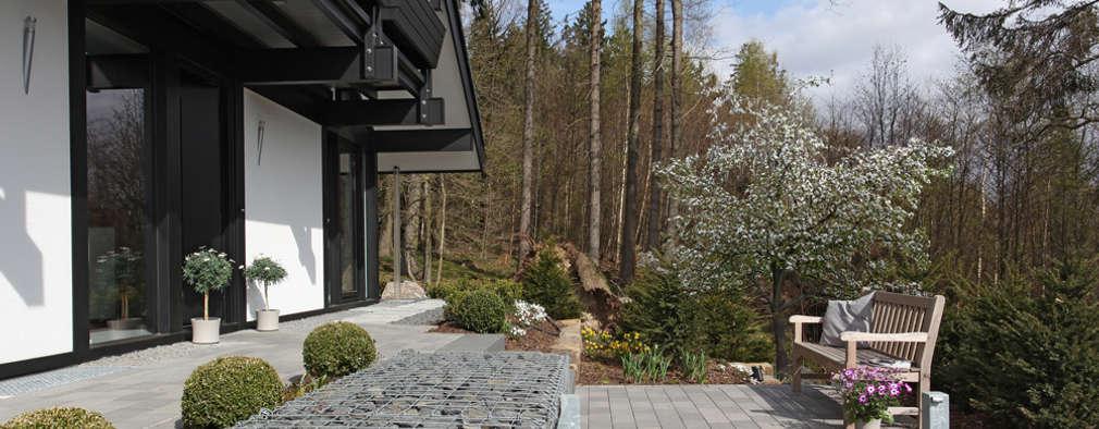 庭院 by DAVINCI HAUS GmbH & Co. KG