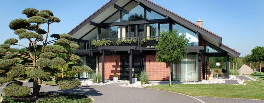modern Houses by DAVINCI HAUS GmbH & Co. KG