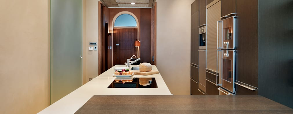 Lavish apartment living:   by Kitchen Architecture