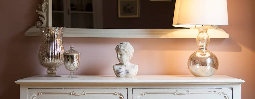 غرفة المعيشة تنفيذ Designs for Living by Claire Beckhaus