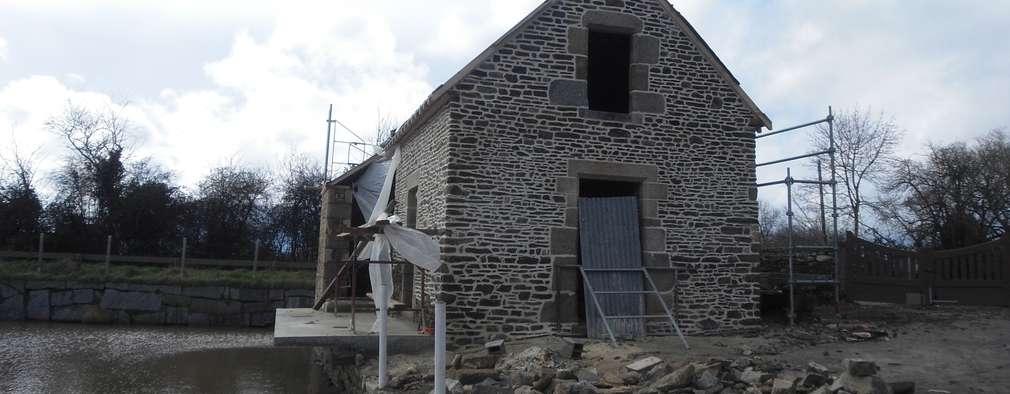 Casas de estilo ecléctico de Christèle BRIER Architechniques