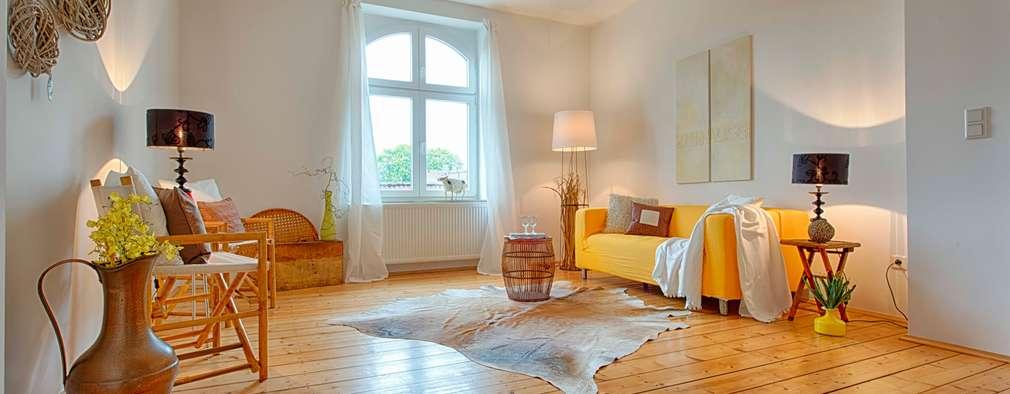 Salon de style de style eclectique par HOMEstaging-RUHR