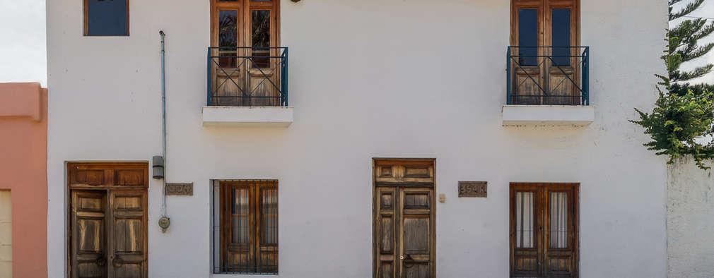 fachada exterior casas de estilo por mikkael kreis architects