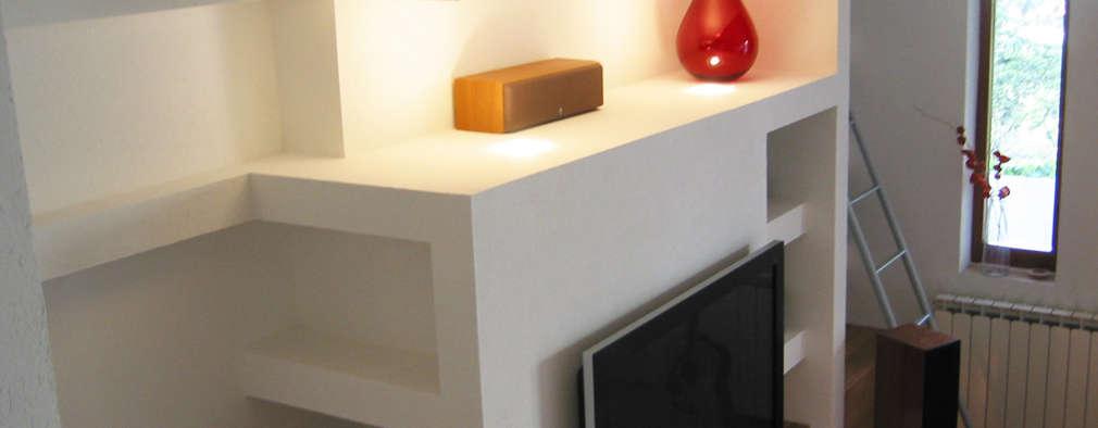Salas / recibidores de estilo minimalista por Laura Marini Architetto