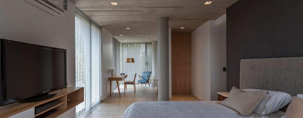 modern Bedroom by ESTUDIO GEYA