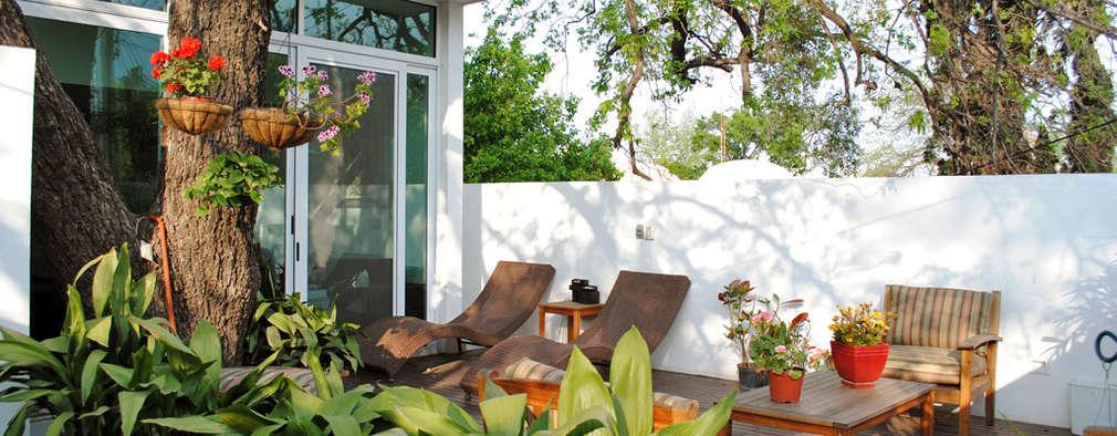 Terraza: Terrazas de estilo  por CORTéS Arquitectos