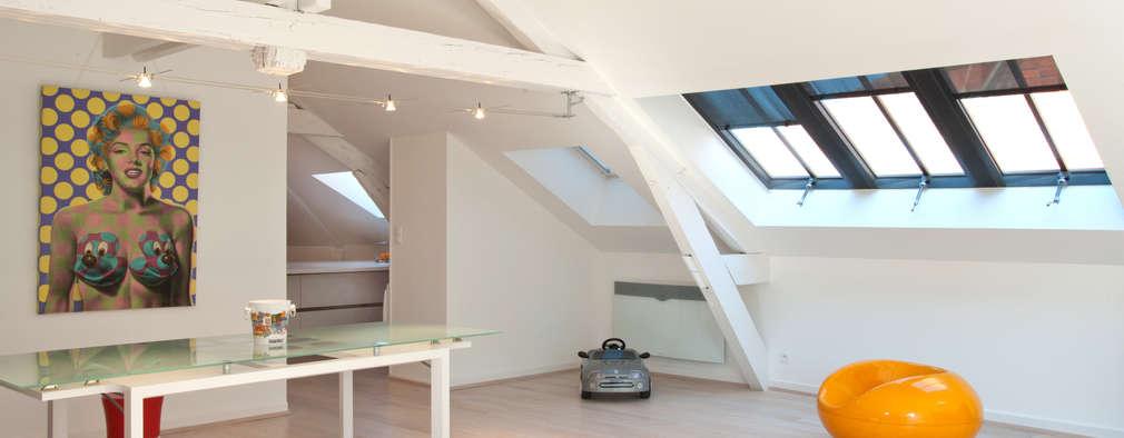 un superbe loft am nag sous des combles. Black Bedroom Furniture Sets. Home Design Ideas