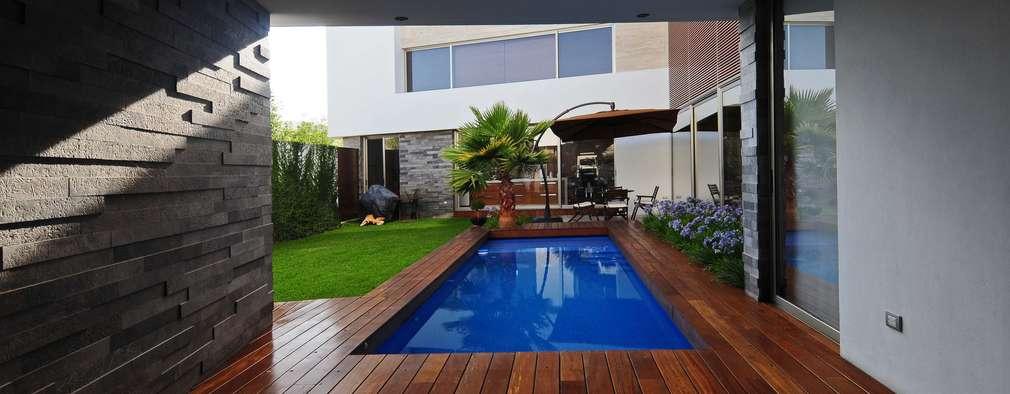 16 piscine mignon per piccoli spazi esterni for Piani di casa con cucina esterna e piscina