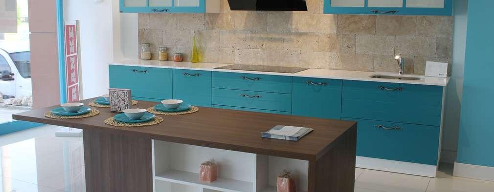 modern Kitchen by ORGE YAPI TASARIM DEK.İNŞ.NAK.MAD.SAN. ve TİC.LTD.ŞTİ.