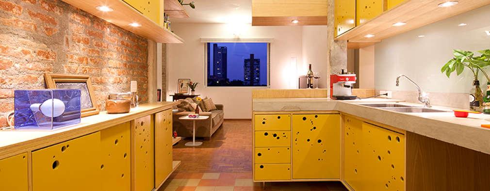 Cocinas de estilo ecléctico por Zoom Urbanismo Arquitetura e Design