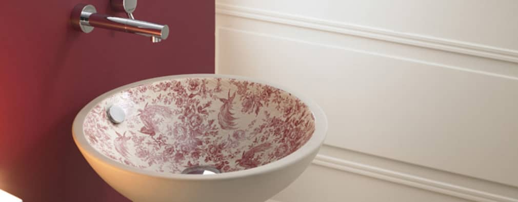 classic Bathroom by Sánchez Plá