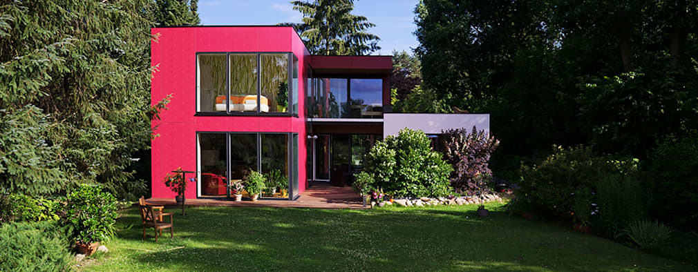 modern Houses by MAX-Haus GmbH