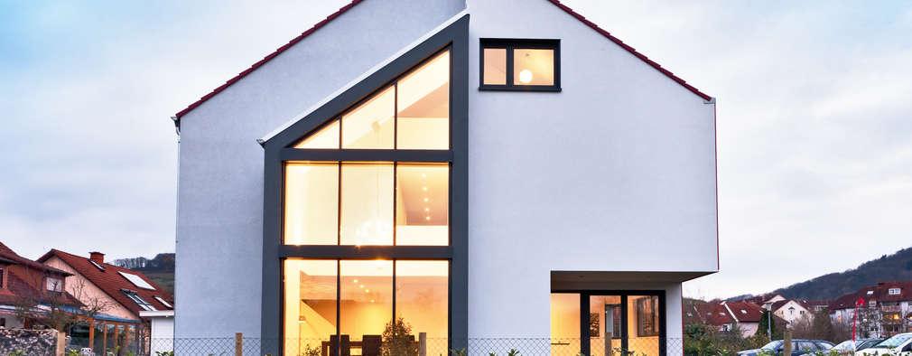 Casas de estilo moderno de Helwig Haus und Raum Planungs GmbH