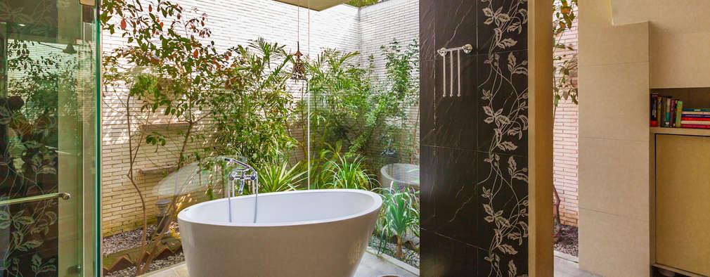 Phòng tắm by Kumar Moorthy & Associates