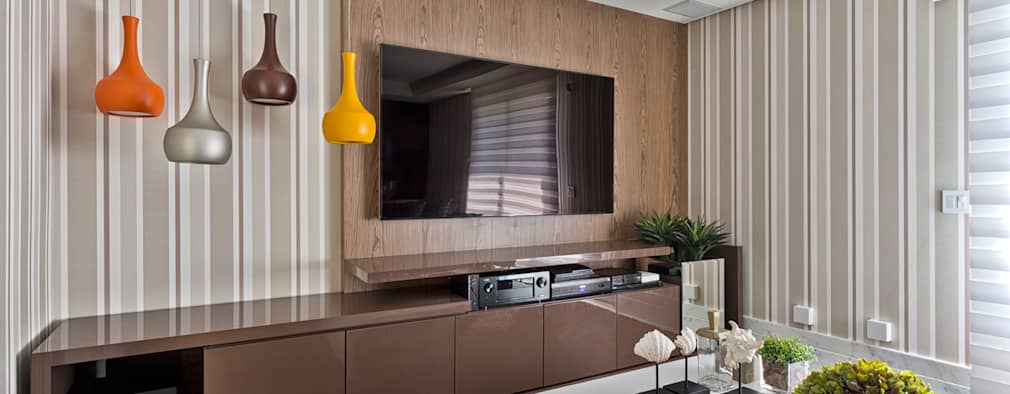 11 ideas fabulosas para decorar la pared del televisor for Ideas decorativas para salas