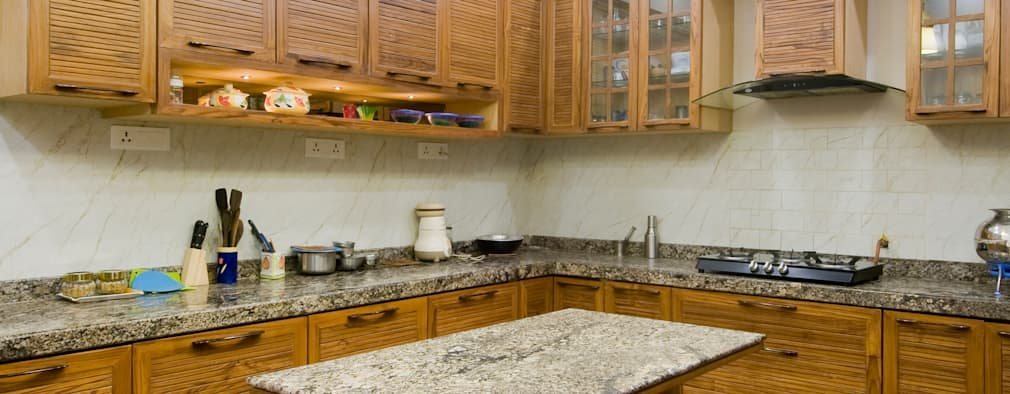 classic kitchen: classic Kitchen by artha interiors private limited