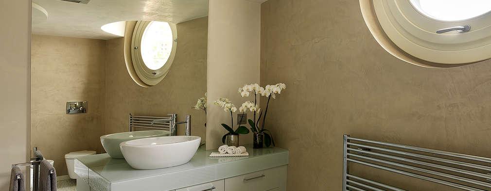 modern Bathroom by Studio d'Architettura MIRKO VARISCHI
