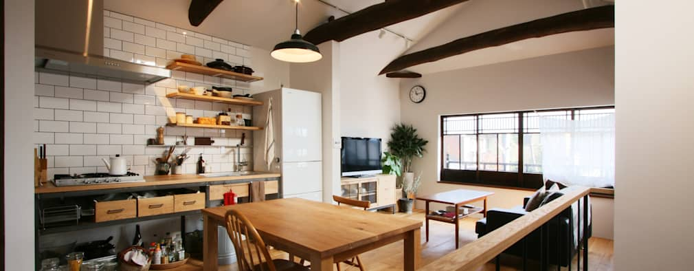 2階のリビング、ダイニング、キッチンの一室空間: 一級建築士事務所expoが手掛けた家です。