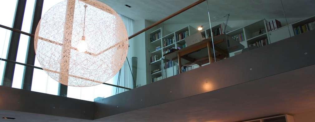 Woonhuis Joosse: moderne Woonkamer door Groeneweg Van der Meijden Architecten