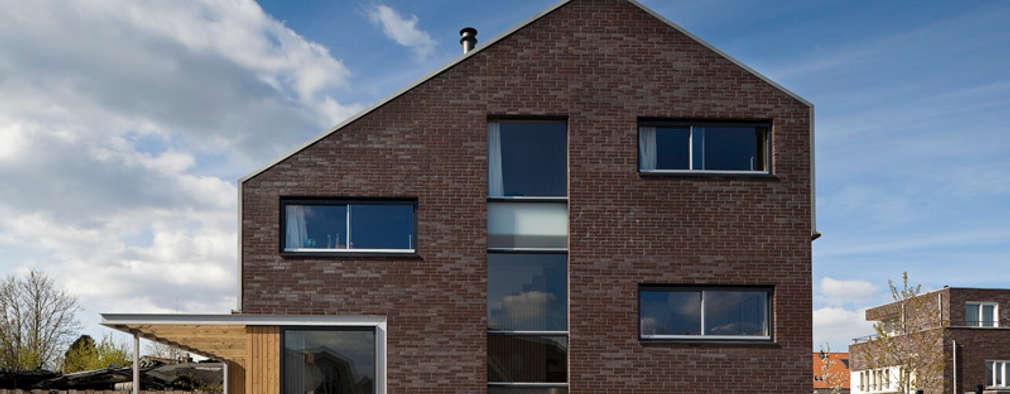 modern Houses by groenesteijn  architecten