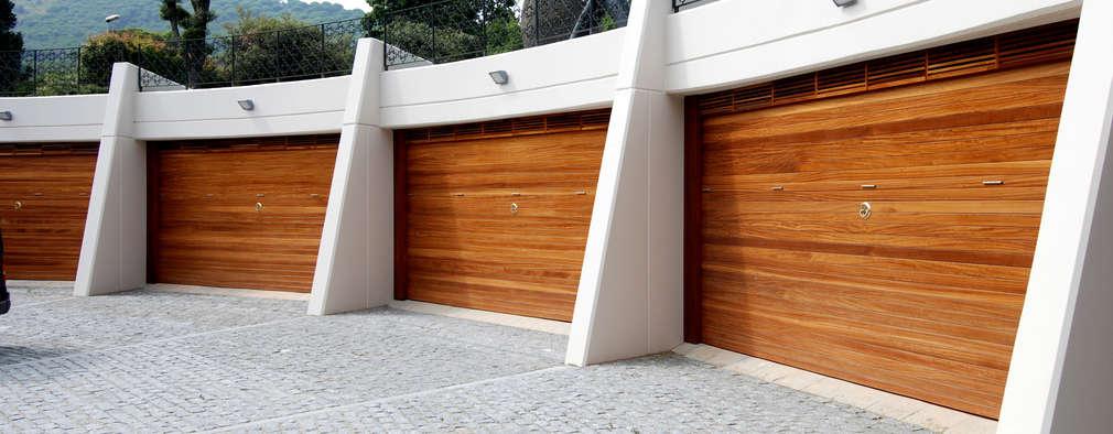 Garajes de estilo moderno por FG ARQUITECTES
