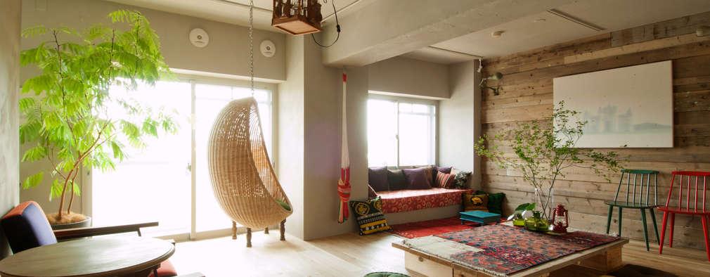 Salas / recibidores de estilo mediterraneo por TATO DESIGN:タトデザイン株式会社