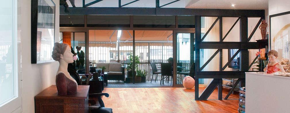 Projekty,  Salon zaprojektowane przez Torres Estudio Arquitectura Interior