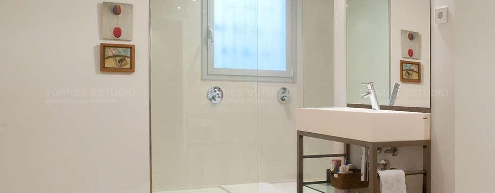 minimalistic Bathroom by Torres Estudio Arquitectura Interior