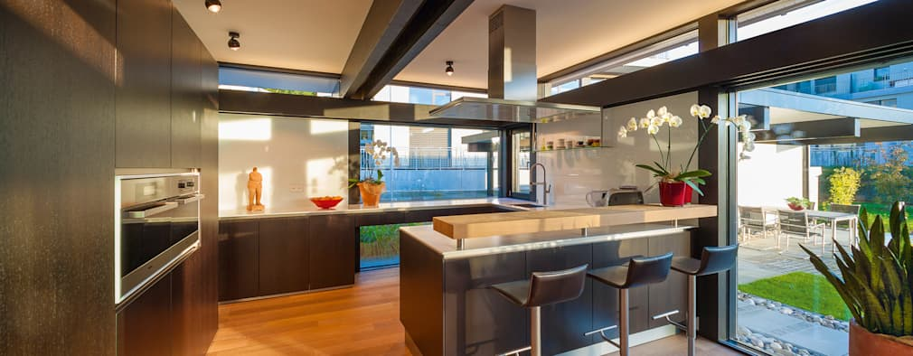 modern Kitchen by HUF HAUS GmbH u. Co. KG