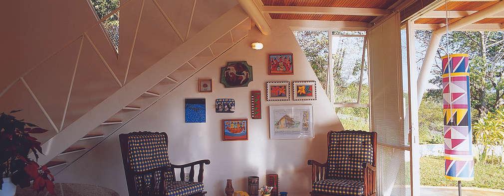 ห้องนั่งเล่น by JOAO DINIZ ARQUITETURA