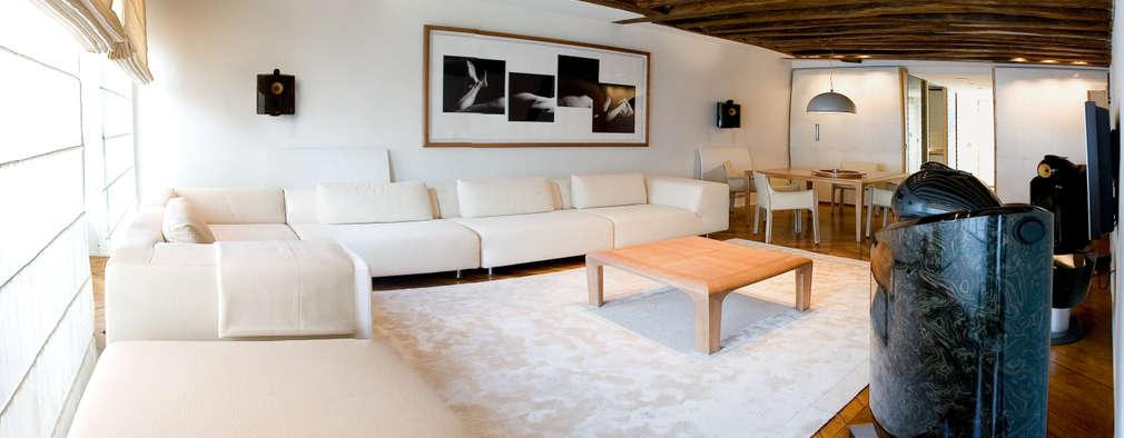 Salon: Salon de style de style Moderne par Atelier TO-AU