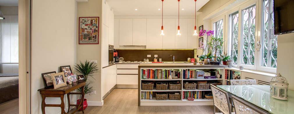 Comedores de estilo moderno por MOB ARCHITECTS