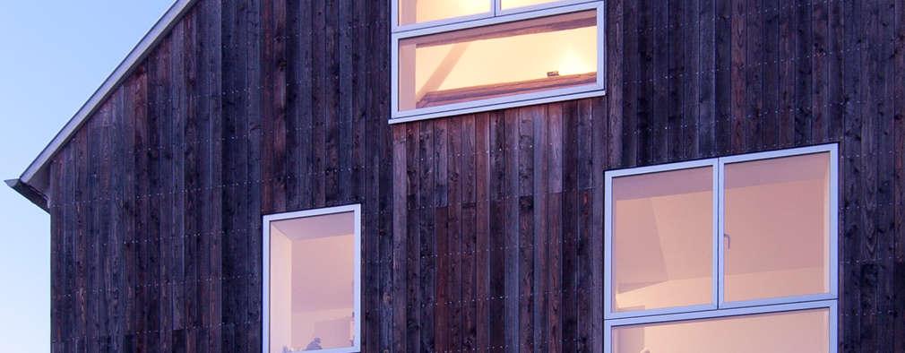 Wohnhaus mit Büro: moderne Häuser von FFM-ARCHITEKTEN. Tovar + Tovar PartGmbB