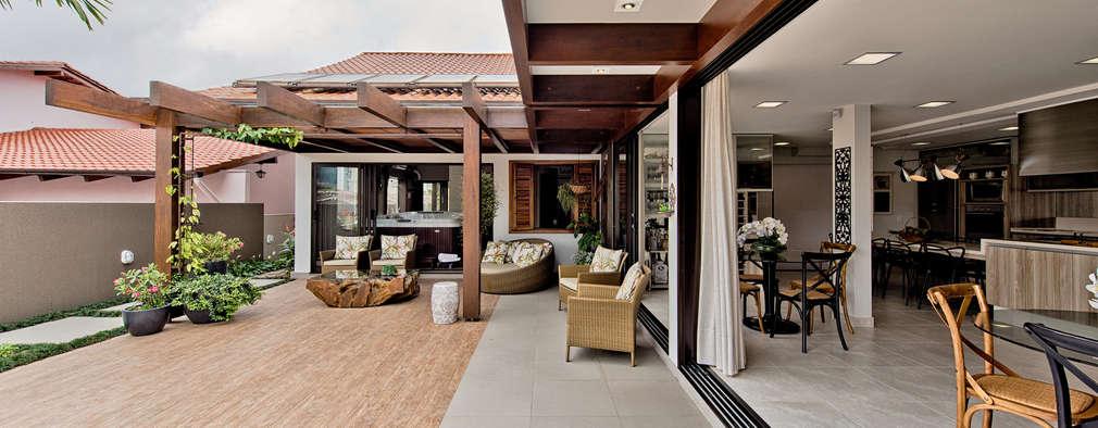 17 terrazas con cobertizos para ir pensando en el verano for Cobertizos para terrazas