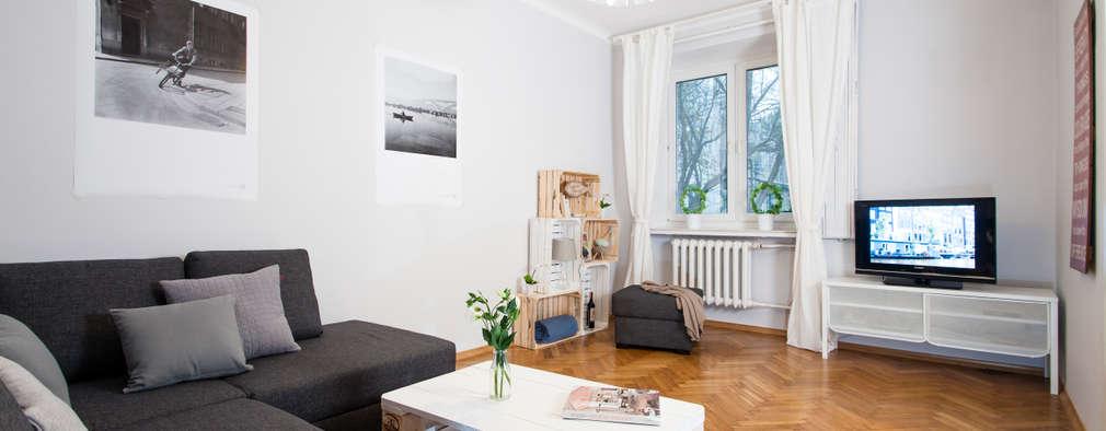 Salas / recibidores de estilo escandinavo por Better Home