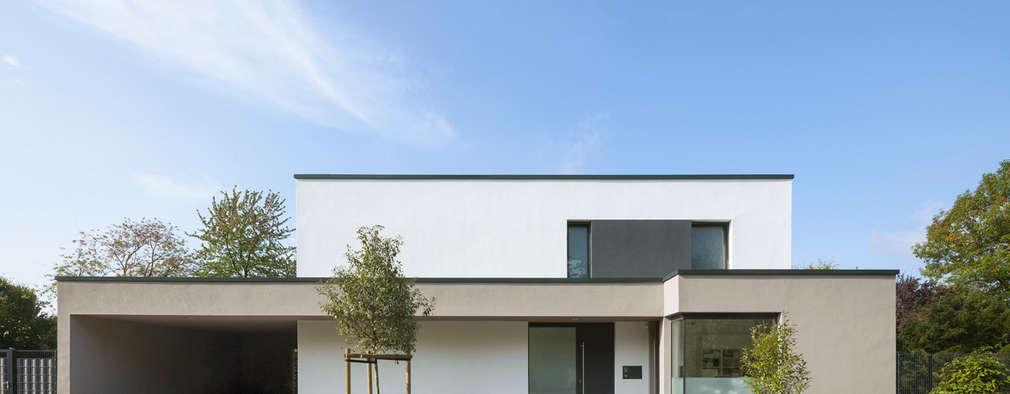 13 fant sticas casas modernas com dois pisos. Black Bedroom Furniture Sets. Home Design Ideas