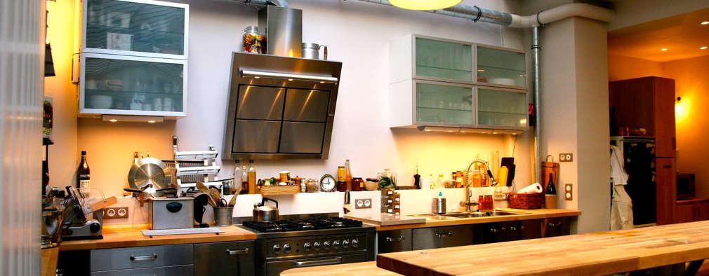 Loft Paris: Cuisine de style de style Industriel par Cabinet Dario