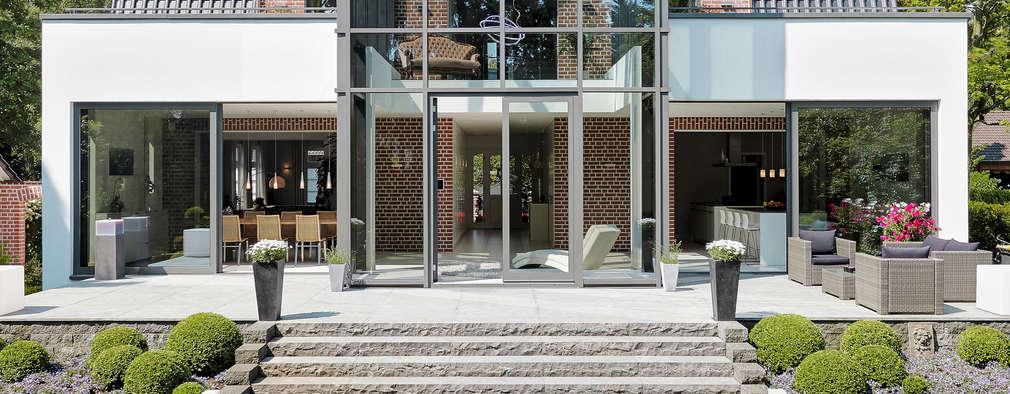Casas de estilo moderno por 28 Grad Architektur GmbH
