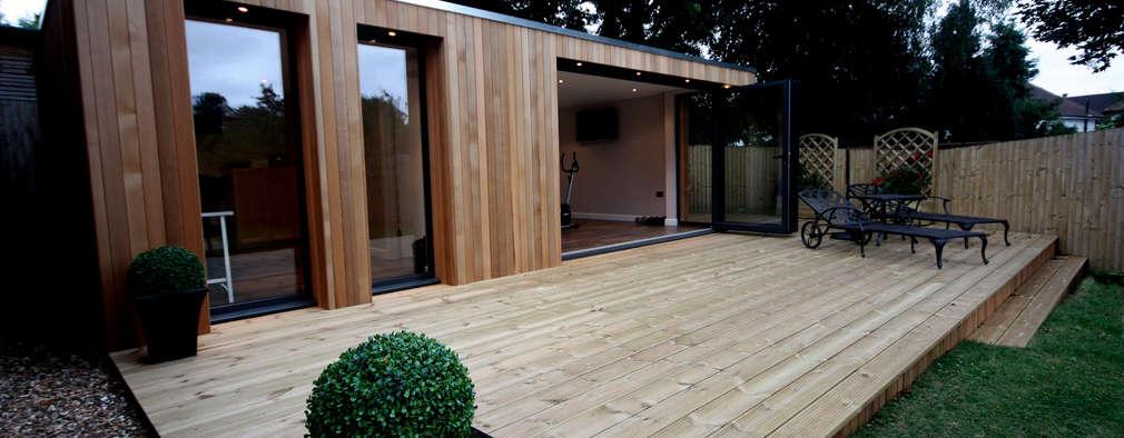 Jardines de estilo moderno por The Swift Organisation Ltd