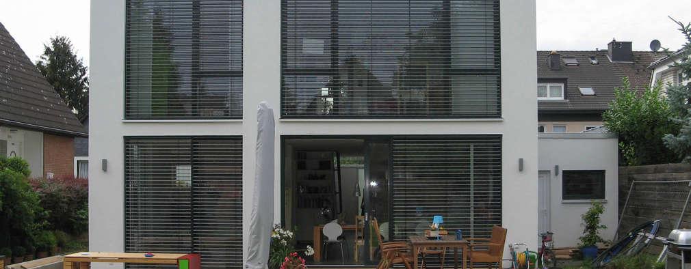 moderne Huizen door STRICK  Architekten + Ingenieure