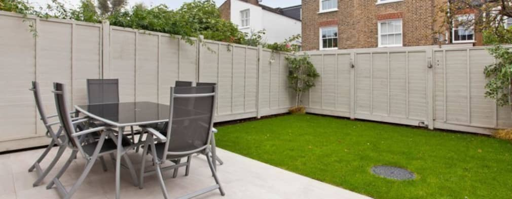 Garden Fencing Ideas garden fencing ideas 73 garden fence ideas for protecting your Narbonne Avenue Clapham Minimalistic Garden By Bolans Architects